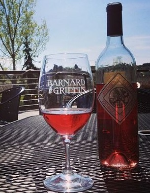 Barnard Griffin Wine Bar and Eatery: Rose on the Patio